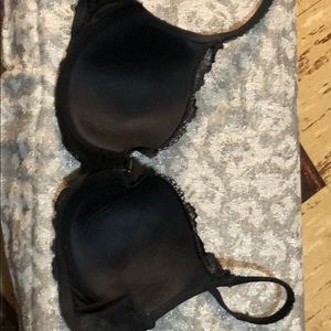 Black Victoria's Secret 32D lace, ultra adjustable